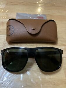 Genuine Mens Ray Bans LIKE NEW with receipt and case