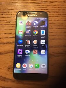 Samsung galaxy S7 phone and life proof/otterbox cases bundle
