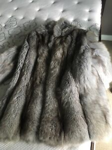 Blue fox fur, size medium.