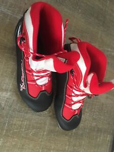 Cross country ski boots size 37