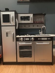 Kidkraft kids kitchen -$140 obo