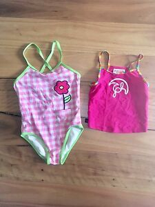 Girls Size 5 Speedo Bathing Suit and Piping Hot singlet $6 Moonee Ponds Moonee Valley Preview