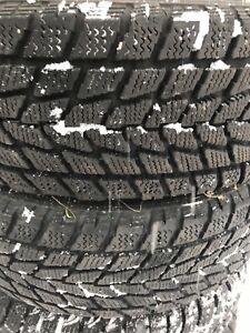 2 pneus hiver 205/70/15