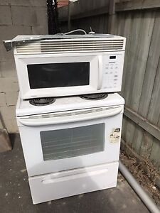 Stove and microwave/exhaust fan
