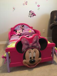 3D Minnie Mouse Toddler Bed and Bedding