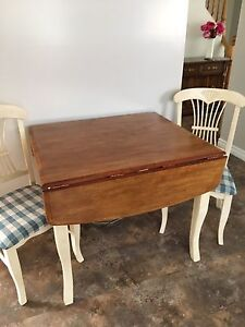 Solid wood dining set (2 chairs)