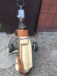 Set of Men's Right Hand Golf Clubs with Bag,Cart and Balls