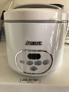 Aroma Rice Cooker new need gone ASAP 15.00 obo