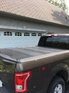 Ford hard quad fold tonneau cover 6.5' box