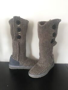 UGG knit boots in new condition