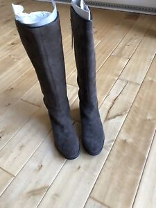Lacoste - women's boots (never worn)  BOXING DAY SALE