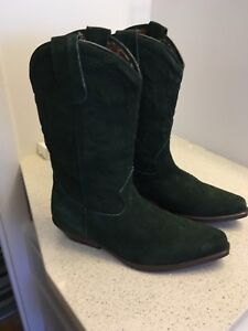 Cowboy boots green suede