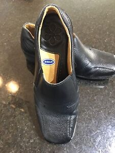 Dr. Scholl Ladies Leather Loafer Shoes