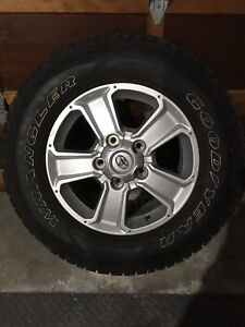 Wheels and tires 275/65/18
