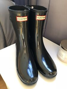 Brand new never worn hunter boots 9