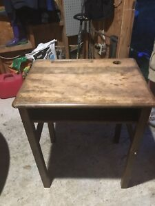 Table/ desk