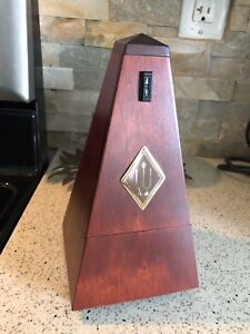 Wittner Traditional Metronome Mahogany Finished Wood