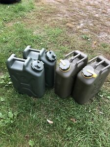 Set of 4 surplus Jerry cans
