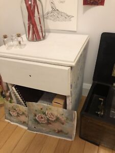 Child size end table