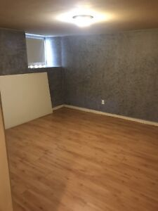One Bedroom Downtown *Month to Month* *ALL UTIL INCL* June 1st