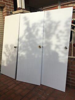 4 doorsb