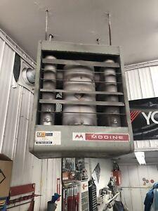 Système de chauffage à air chaud suspendu