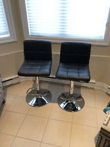 2 bar / kitchen  stools / chairs
