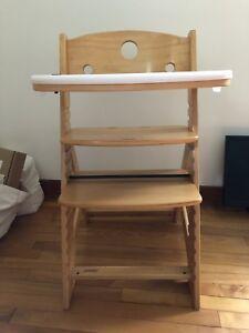 Keekaroo adjustable wood high chair