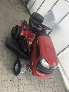 Tracteur 22 hp Briggs&Stratton 2 cylindre plateau 46 pouce