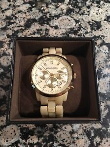 Michael Kors Jet Set Champagne Mother of Pearl Watch - MK5217