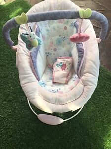 Baby Bouncer comfort and harmony As New! Narre Warren Casey Area Preview