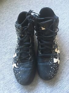 Under Armour Baseball Cleats. Size 9.5
