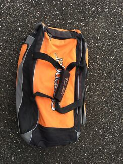QUALITY CRICKET BAG WITH GEAR
