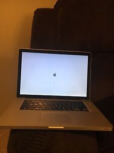 """15"""" MacBook Pro 2010  READ DESCRIPTION!"""