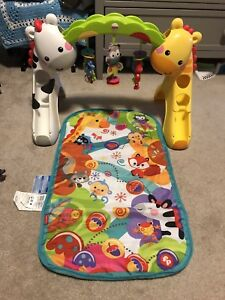 Lights and sounds baby play mat