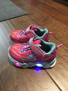 Sketchers - toddler size 6