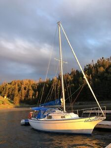 1976 Bayfield 25 sailboat with trailer