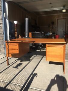 GASVIG GV Mobler teak executive desk