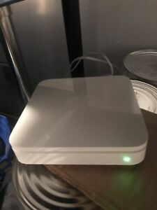 Apple AirPort extreme base