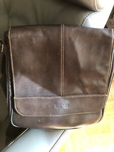 96857ab86212 Men s Cross Shoulder Messenger Bag
