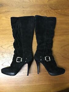 Micheal Kors black suede boots, size 7, in Good condition