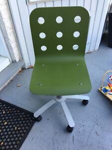 Chaise de bureau Ikea verte 25$