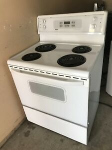 4 year Kenmore Coil STOVE perfect condition can DELIVER