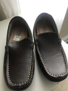 Men's slip on loafers size 8