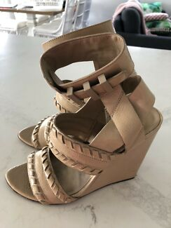 Alexander Wang Patent nude leather wedges size 37
