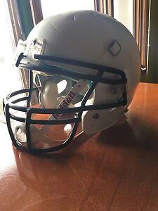 Schutt medium helmet