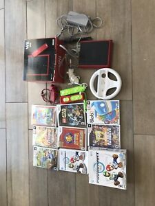 Console wii mini incluant 8 jeux dont Mario Kart