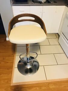 Chaise de cuisine/ kitchen chair
