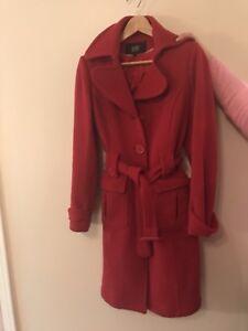 Manteau rouge BEDO