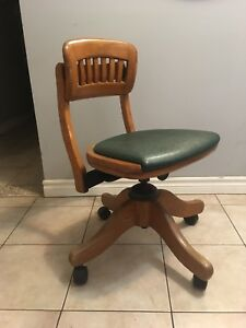 Vintage Oak bankers/office chair - H. Krug - made in Canada